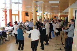 Ples ob 10 obletnici prvega sprejema v dom