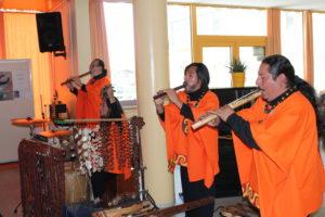 """Nastop perujske glasbene skupine :""""PACHACAMAC"""""""